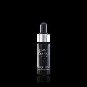Magic Liner Líquido Mágico para Crear Eyeliners. Jorge de la Garza